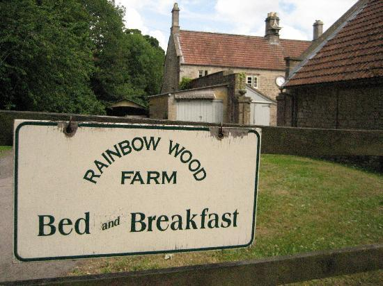 Rainbow Wood Farm: Our window was the one right next to the clock.