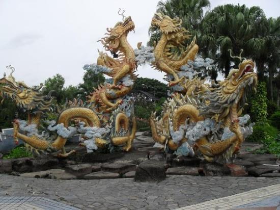 Dam Sen Water Park: Dam Sen Park - Dragontastic