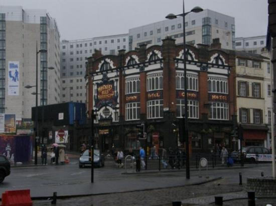 A stunning hotel pub nearby liverpool 39 s lime street for Stunning hotels