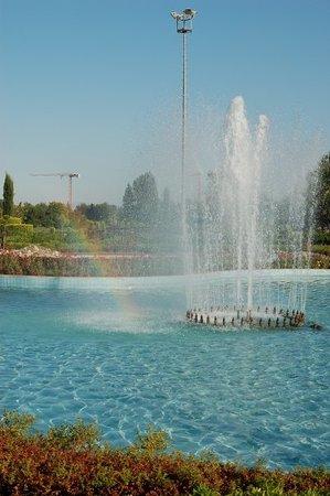 Adana, Turquía: Rainbow & water @ The Grand Mosque!