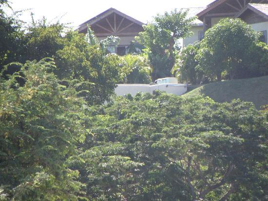Maca Bana: View from beach to Villas