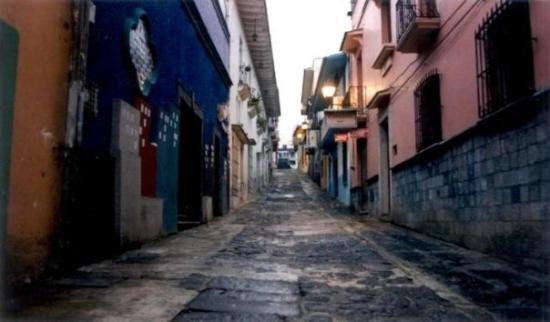 Diamante Alley (dawn) Downtowm Xalapa