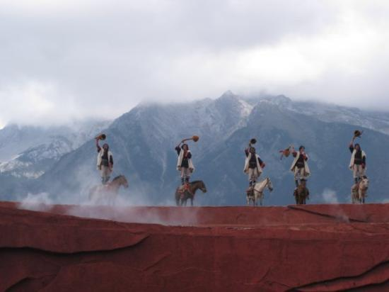 Lijiang Impressions Show: Impressions Lijiang. The Sha-Ma story against the backdrop of the Jade Dragon Snow mountain (560