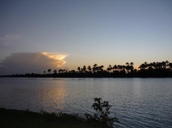 Encantes do Nordeste: River Preguicas - view from Bambae