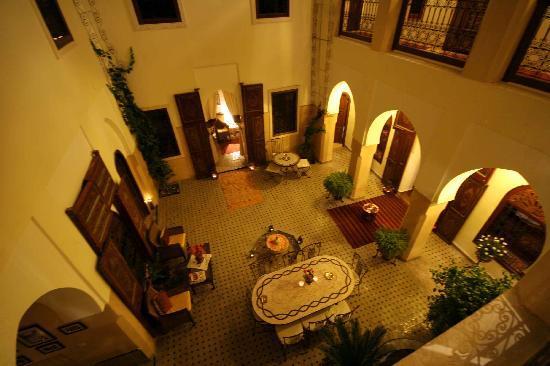 Riad Anabel: der Innenhof des abends