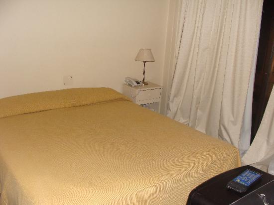 Soft Bariloche Hotel: la habitacion ...muy comoda la cama