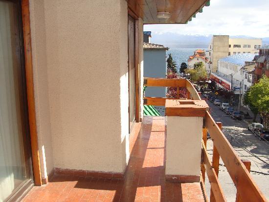 Soft Bariloche Hotel: el balcon doble, muy comodo y con vista lateral al lago