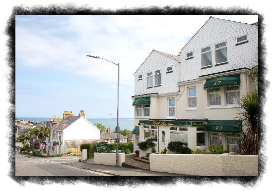 The Trelinda Bed & Breakfast: The hotel with a car park 2 minutes to town centre.