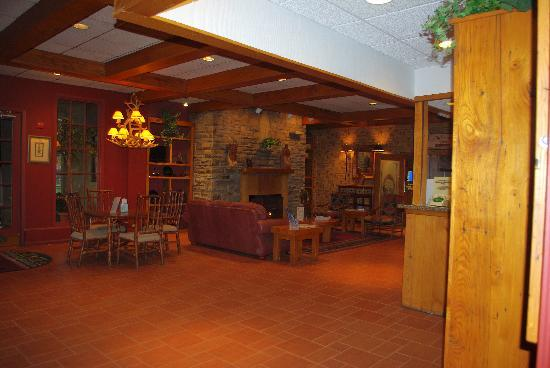 Chestnut Tree Inn Cherokee: Lobby
