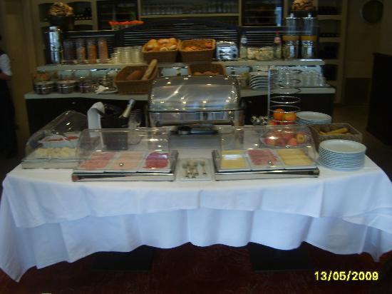 Hotel Azaert Annex : buffet petit déjeuner(2)