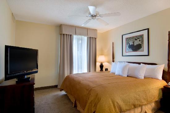 Homewood Suites by Hilton Raleigh Crabtree Valley: New Serta Suite Sleeper beds!