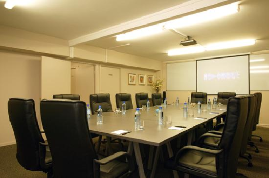 Best Western Newmarket Inn & Suites: Conference room