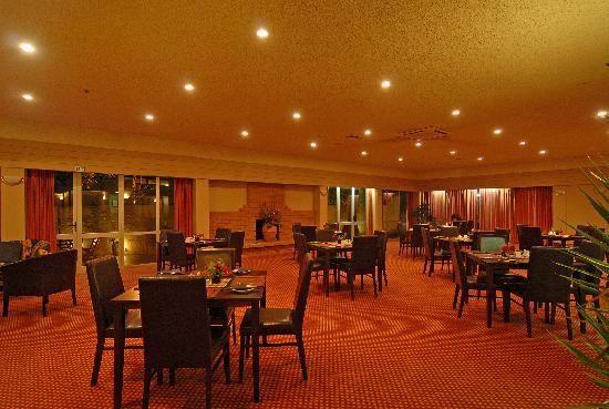 Angus Inn Hotel: Resturant