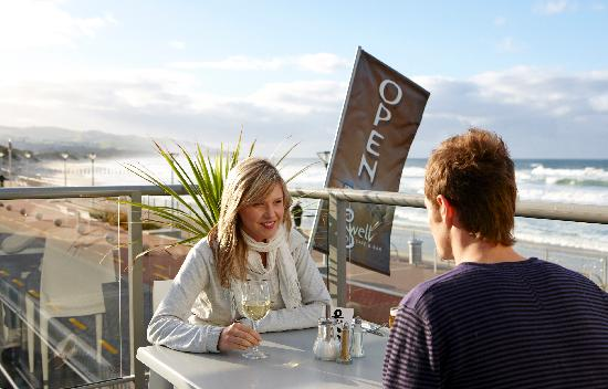 Enjoy Alfresco Dining at Swell Cafe