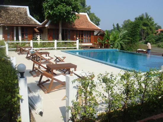 Tonnam Homestay: pool