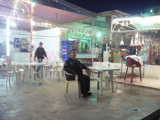 Brega, Libya: kebapçı...