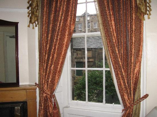 Regent House Hotel: la vista al jardin, desde mi habitacion
