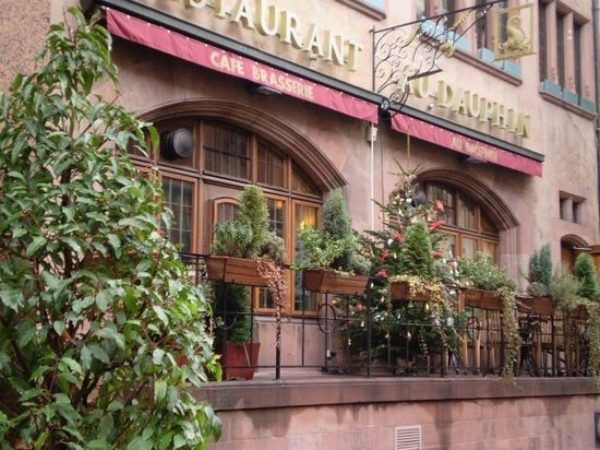 Brasserie Au Dauphin: lovely restaurant I went to do with Mum and Dad