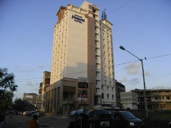 Grand Hometel, Mumbai: Exterior