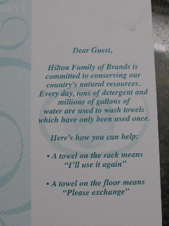 DoubleTree by Hilton Hotel Carson : Where are the towel racks?