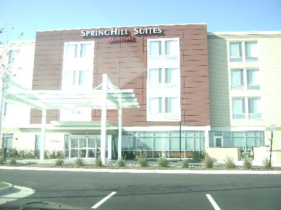 SpringHill Suites Ashburn Dulles North: Nice exterior