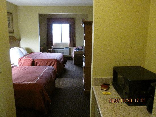 Comfort Suites: Oversized ?
