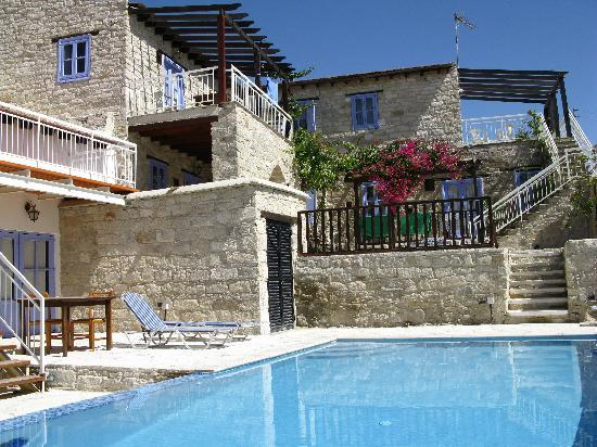 Cyprus Villages: villa with pool complex