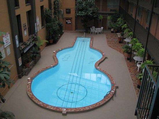 Our World Famous Guitar Shapped Swimming Pool Picture Of Quality Inn Nashville Tripadvisor