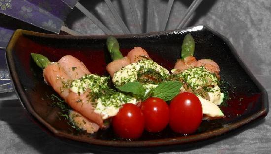 Robata of Tokyo: Smoked salmon with asparagus