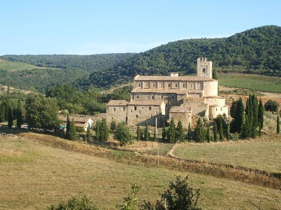 Le Casine di Castello: Abbey of Sant'Antimo for the Gregorian Chants