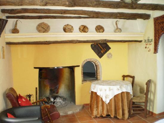 Cortijo El Horcajillo Casa Rural: Chimenea