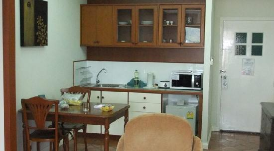 Kantary Bay, Phuket : small kitchen area