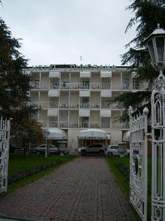 Quisisana Hotel Terme: Vista Albergo Esterna