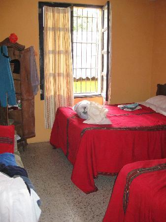 Hotel Los Nazarenos: room