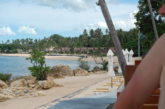 Nora Buri Resort & Spa : Le restaurant au petit déjeuner au dessus de la plage