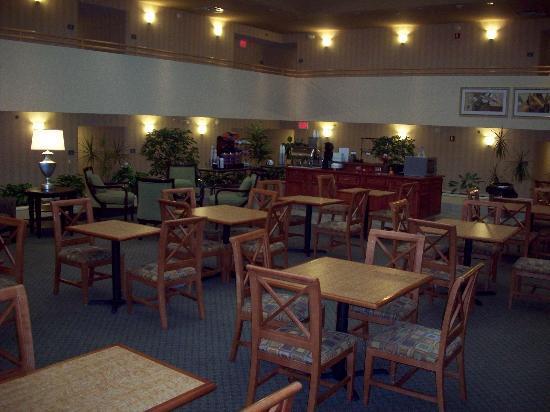 Comfort Inn & Suites Columbus: breakfast