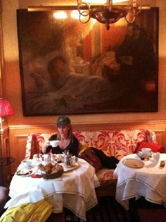Hotel de l'Abbaye Saint-Germain: Me having breakfast in the hotel