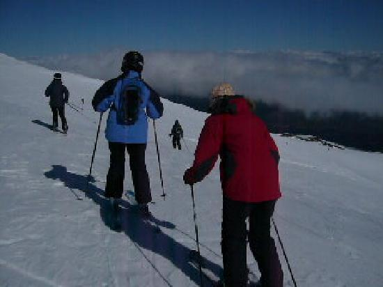 Raetihi International Airport* and Backpackers: Skiing at Turoa