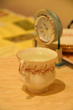 Inverlea Guest House: Beautiful cup on the table