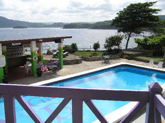 Galina Breeze: Pool view