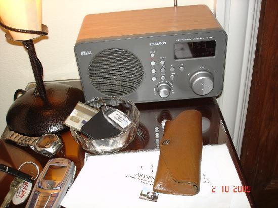 Arden House Bed & Breakfast Bexhill: Bedside DAB radio is a joy!