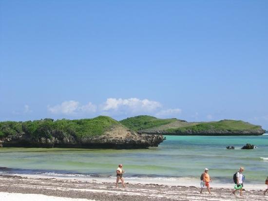 Crystal Bay Resort: spiaggia watamu