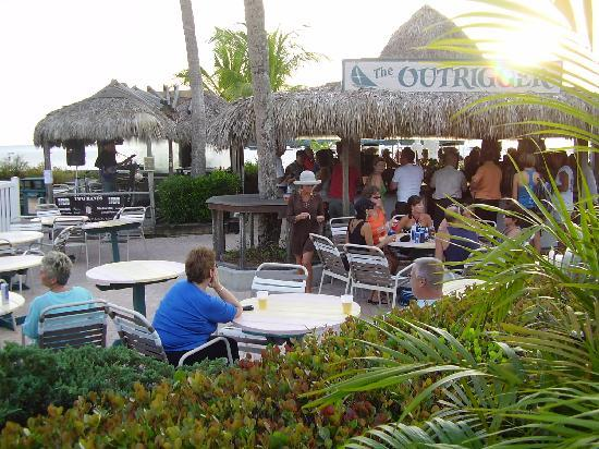 Outrigger Beach Resort Great Tiki Bar With Good Live Music