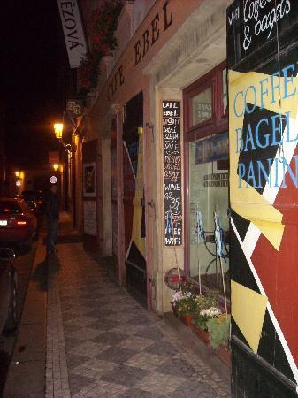 Hotel Residence Retezova: bar abelle - next door