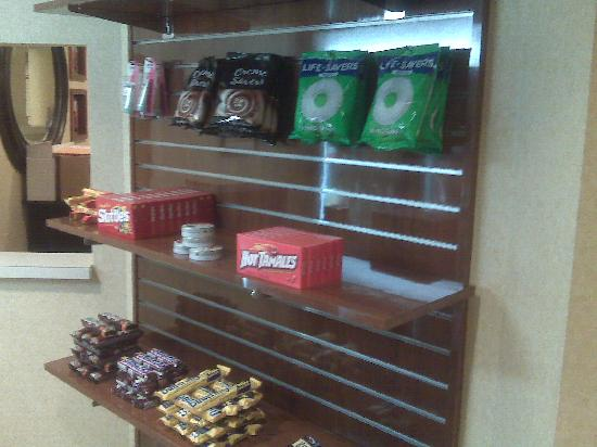 Residence Inn Chantilly Dulles South: convenience store