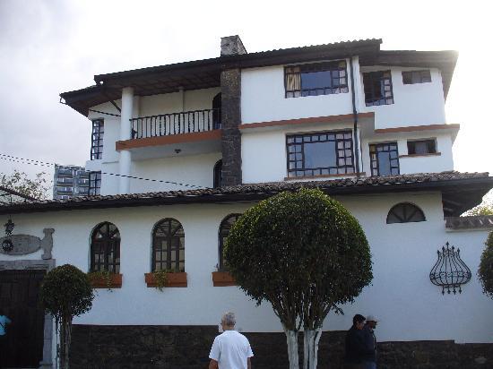 Fuente de Piedra 1: Hotel from Av. Wilson