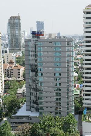 Adelphi Grande Bangkok by Compass Hospitality: Hotel Exterior