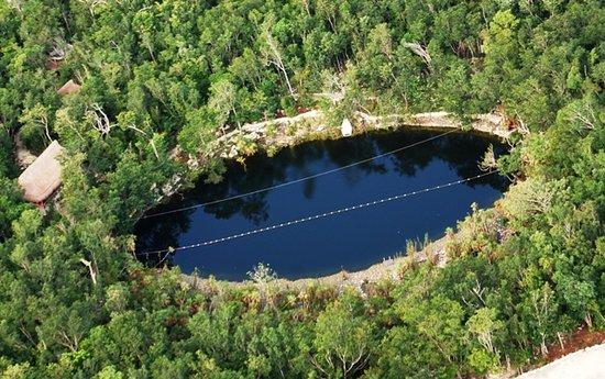 Parque Cenote Las Mojarras