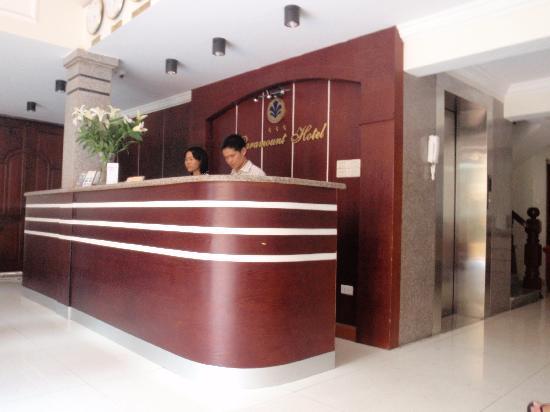 Paramount Hotel Hanoi: Recepcion