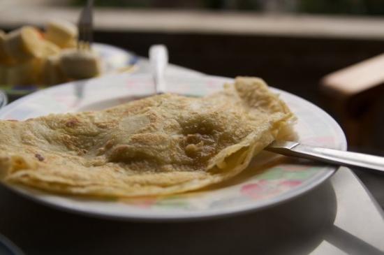 ซาเนีย บังกะโล: Morning breakfast from our Hostel